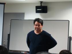 秋山演亮氏