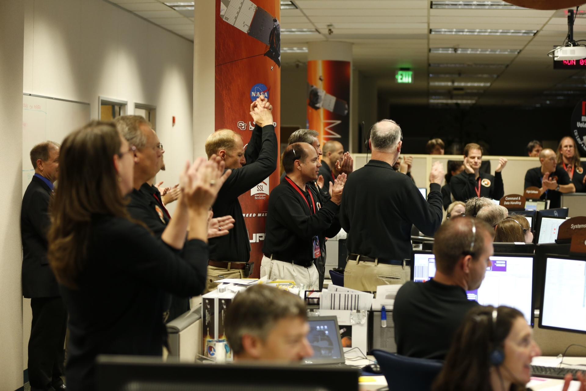 メイバン火星周回軌道投入を祝う関係者
