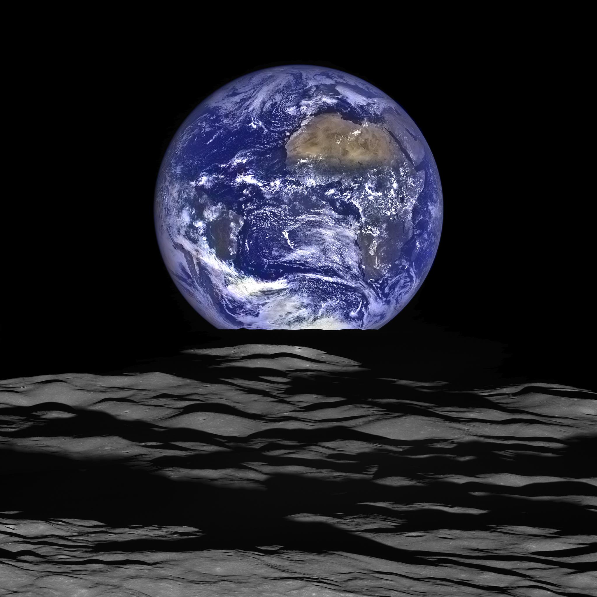 LROが撮影した満地球の出