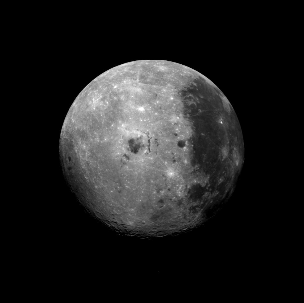 ガリレオ探査機が撮影した月の裏側