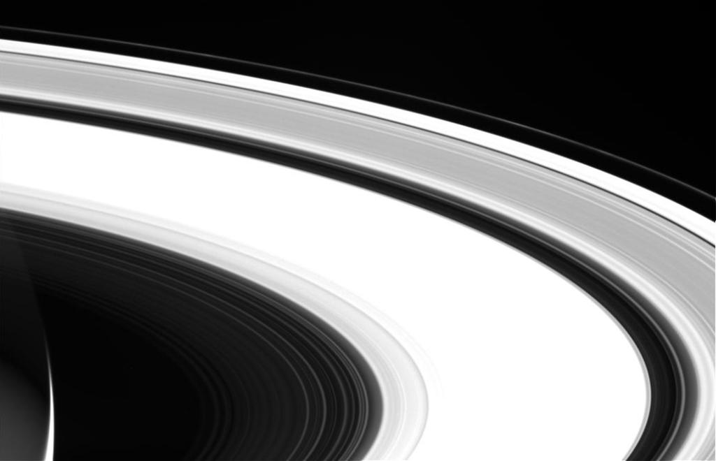 カッシーニが最後に撮影した土星の輪の写真(その1)