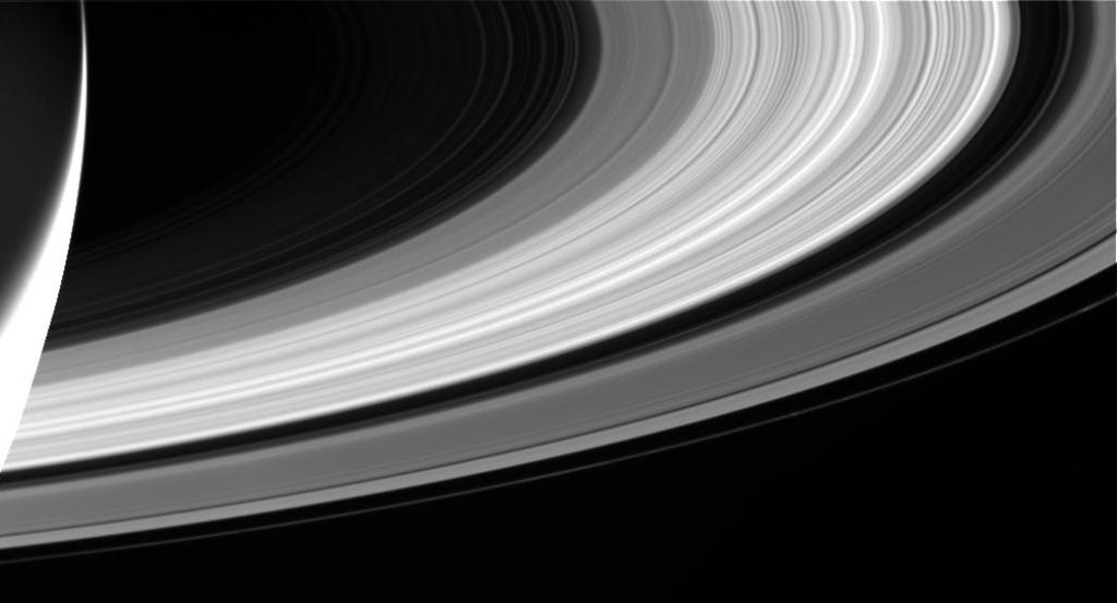 カッシーニが最後に撮影した土星の輪の写真(その2)