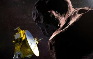 「ウルティマ・トゥーレ」に最接近するニューホライズンズ探査機の想像図