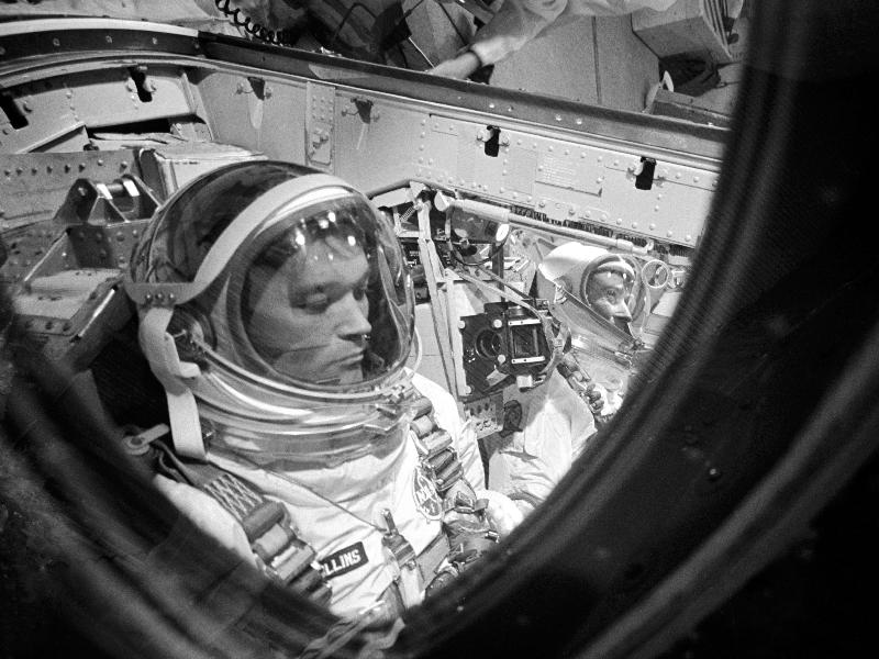 ジェミニ10号で任務に就くコリンズ宇宙飛行士